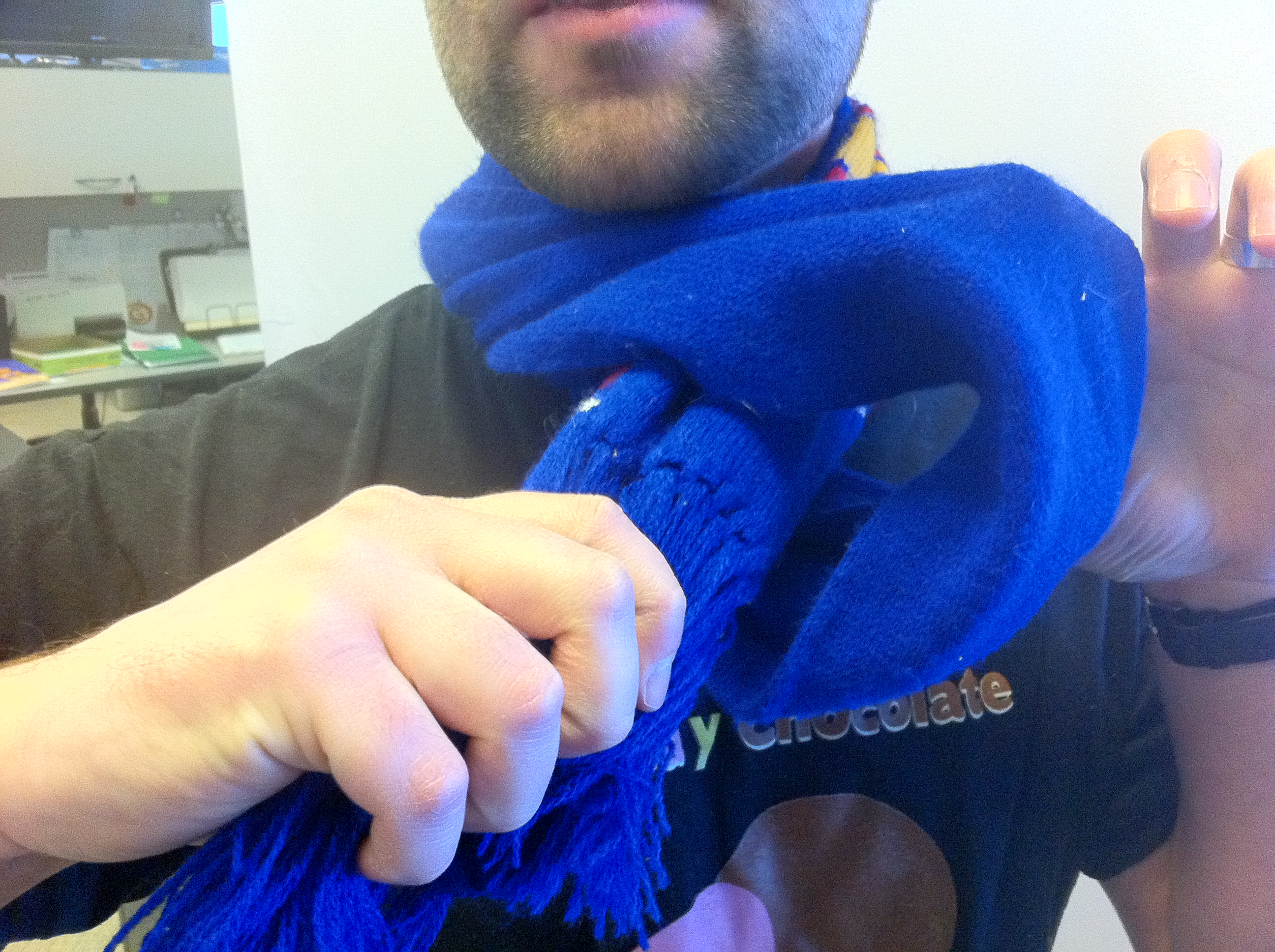 How to tie a scarf, step three